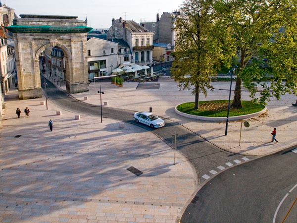 Nevers Porte de Paris